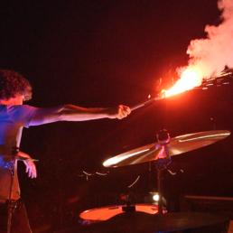 Musik, Freunde, tanzen und gute Laune verbindet die mitwirkenden am Musikvideo Identité der Band PASSEPARTOUT.