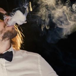 Die Band Passepartout hat in VIP Outfits ein Musikvideo zum Song VIP gedreht.